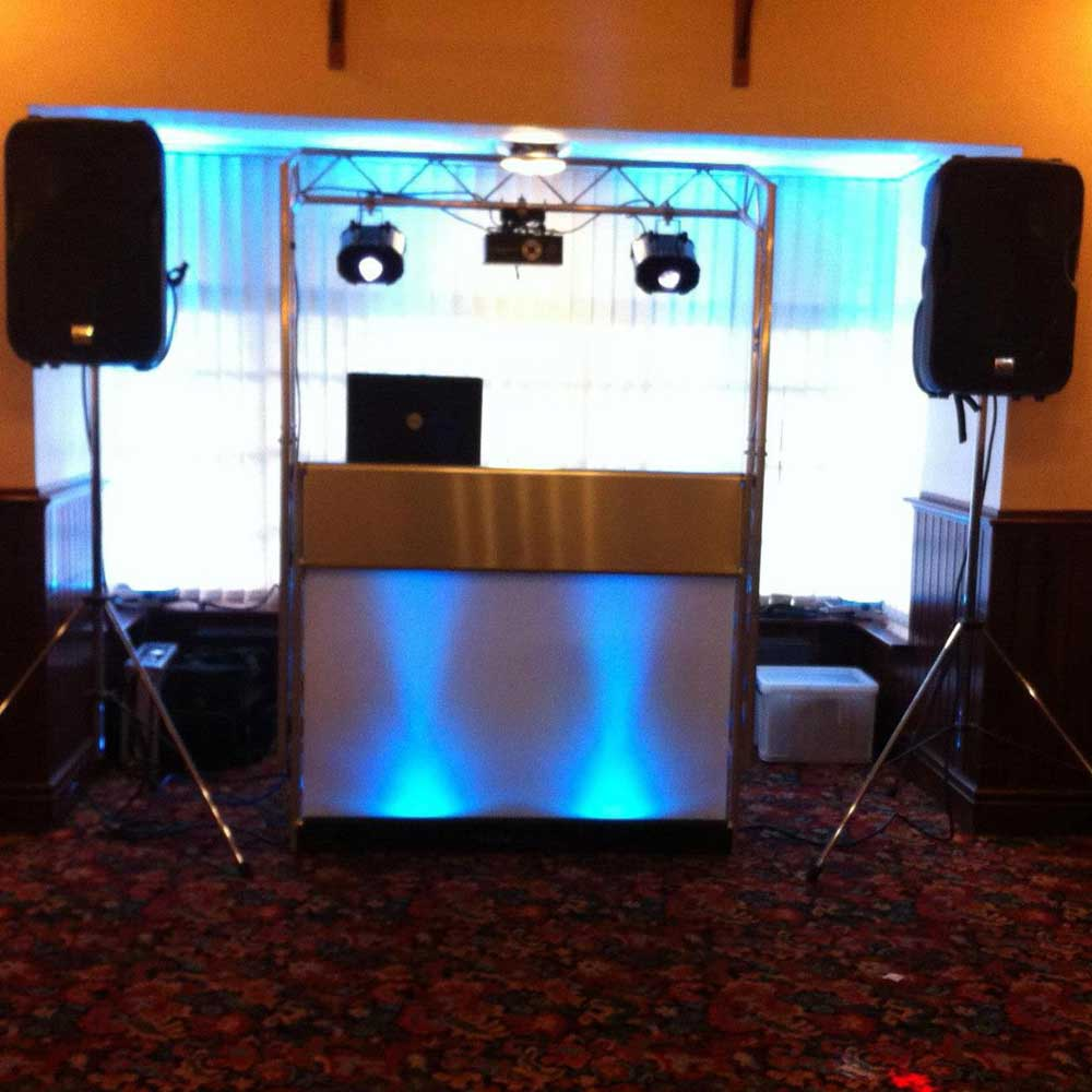 Mobile Disco And Dj In Cheltenham Gloucestershire